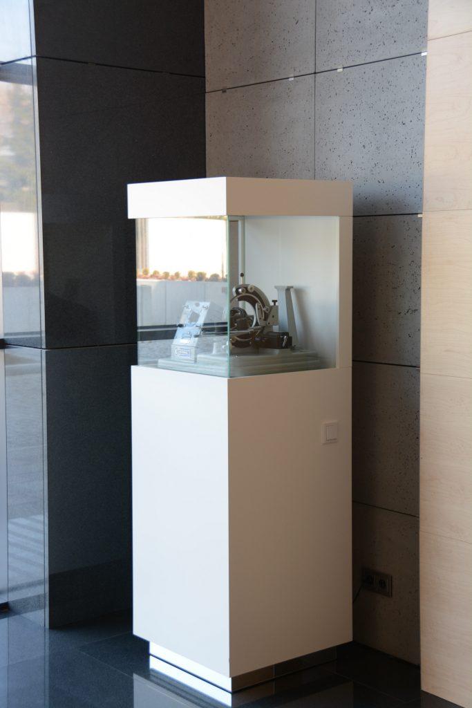 Counter display bespoke furniture